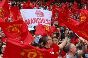 مانشستر يونايتد يطالب جماهيره بالابتعاد عن الملاعب
